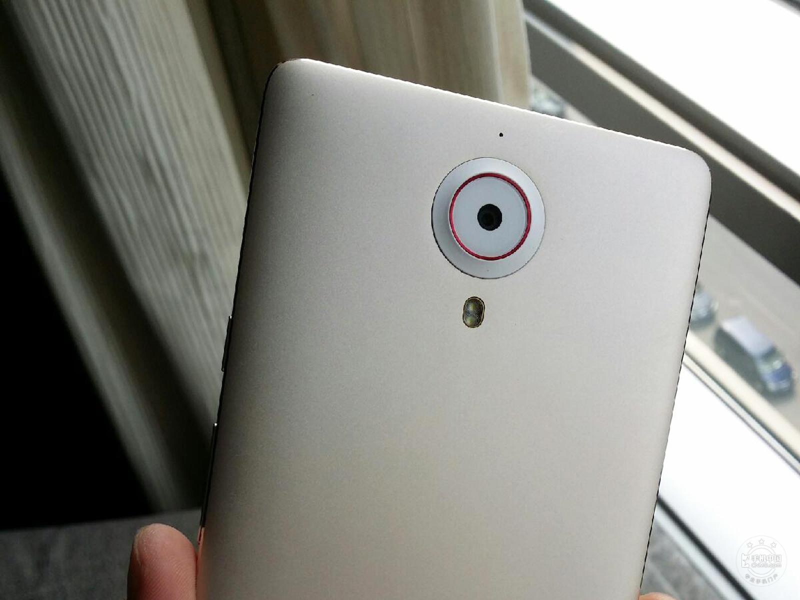 努比亚X6(64GB)机身细节第4张