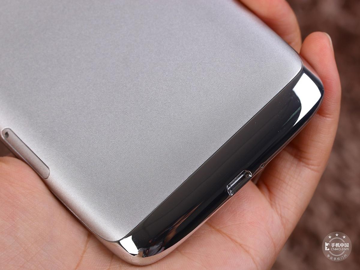 联想S968T(VIBEX移动版)机身细节第4张